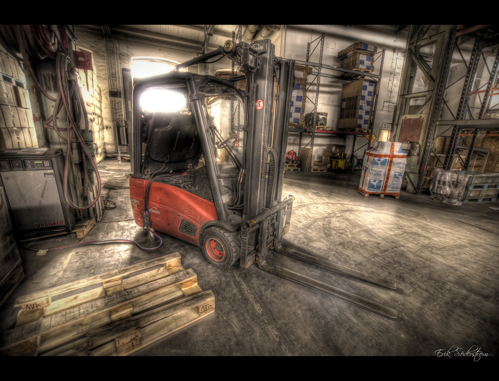 Truck HDR by mescon, on Flickr