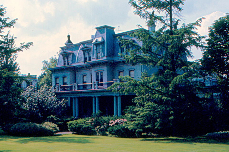 Pittsburgh - Mansion in Squirrel Hill by roger4336, on Flickr