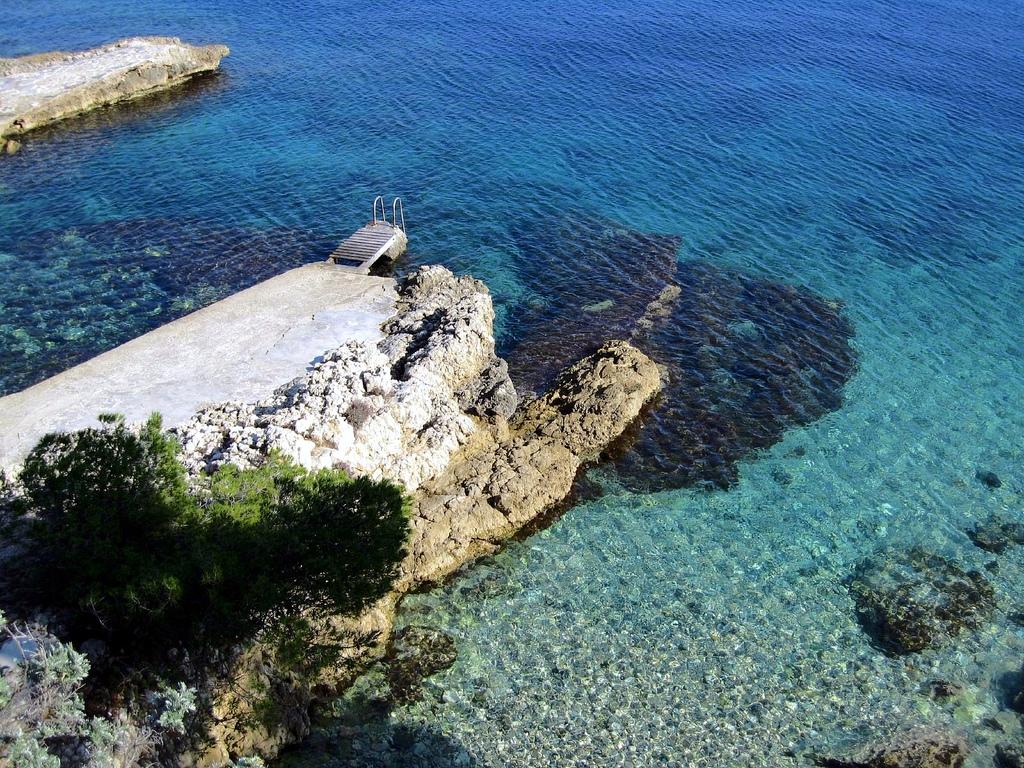 Clear waters, Saint Jean Cap Ferrat, Fra by Fulvio