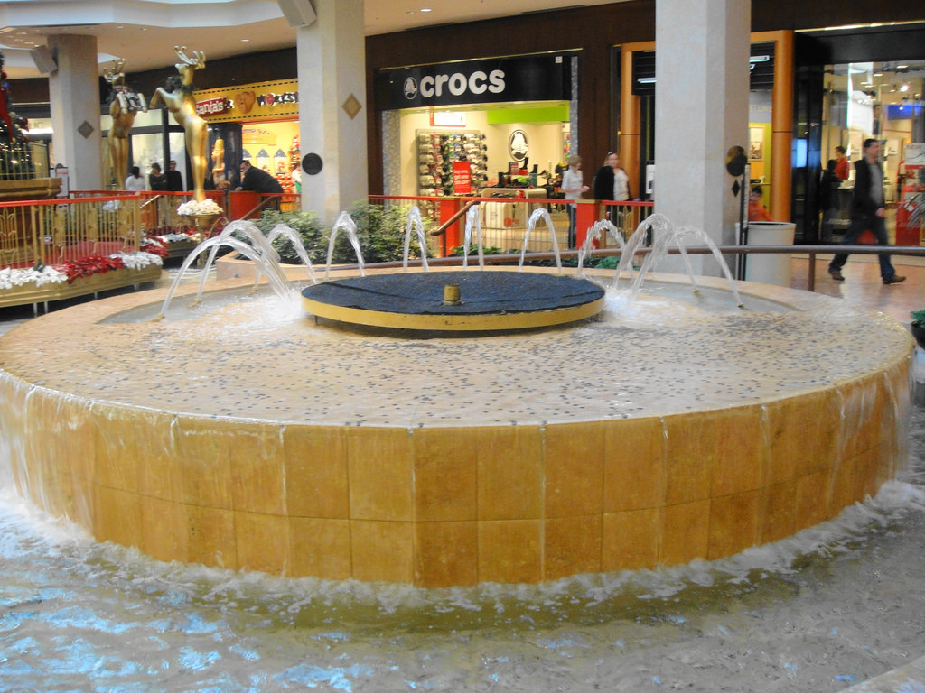 Fountain in St. Louis Galleria mall by david_shane, on Flickr