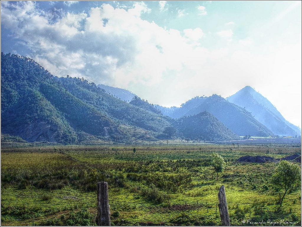 Montañas Camino a Cobán (HDR) by Fernando Reyes Palencia, on Flickr