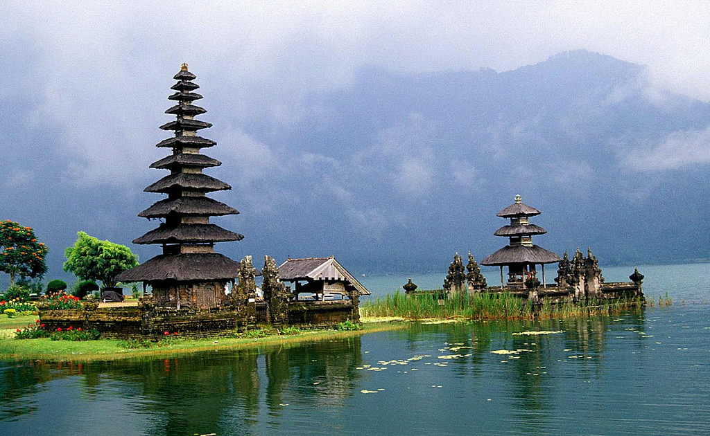 Temple in Bali by Rud Glazn, on Flickr
