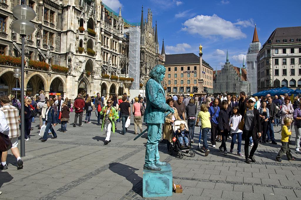 Marienplatz - München - Pantomime by digital cat , on Flickr