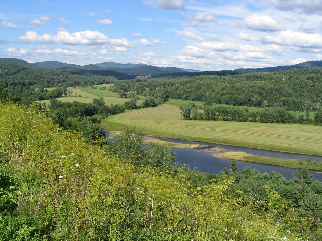 Connecticut River from Interstate 91 on by Ken Lund, on Flickr