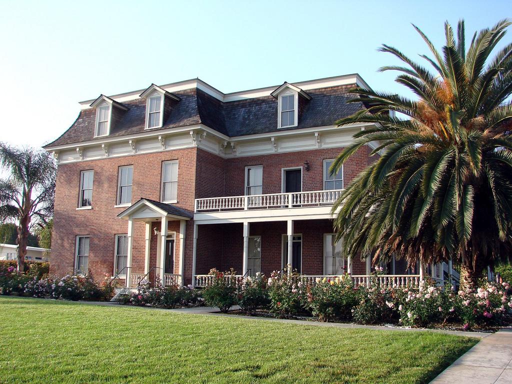 Barton Mansion, Redlands, CA 5-2012 by inkknife_2000 (8 million views +), on Flickr