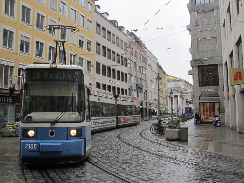 Munich, streetcar by La Citta Vita, on Flickr