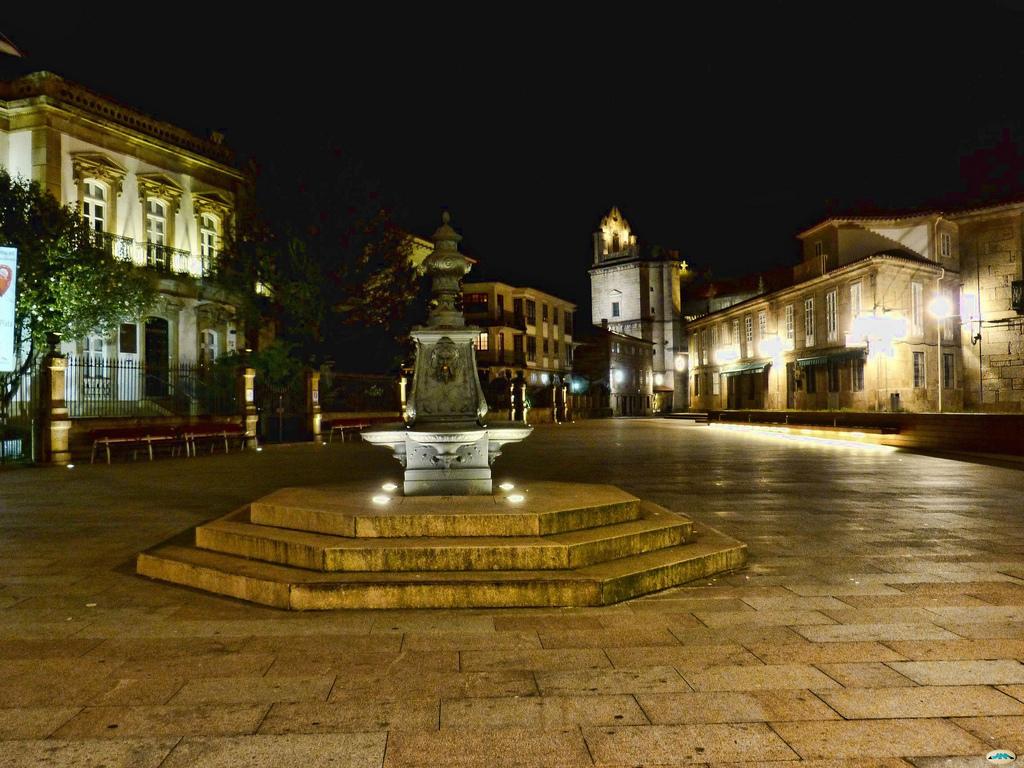 Pontevedra-Noche de invierno en la Plaza by juantiagues, on Flickr