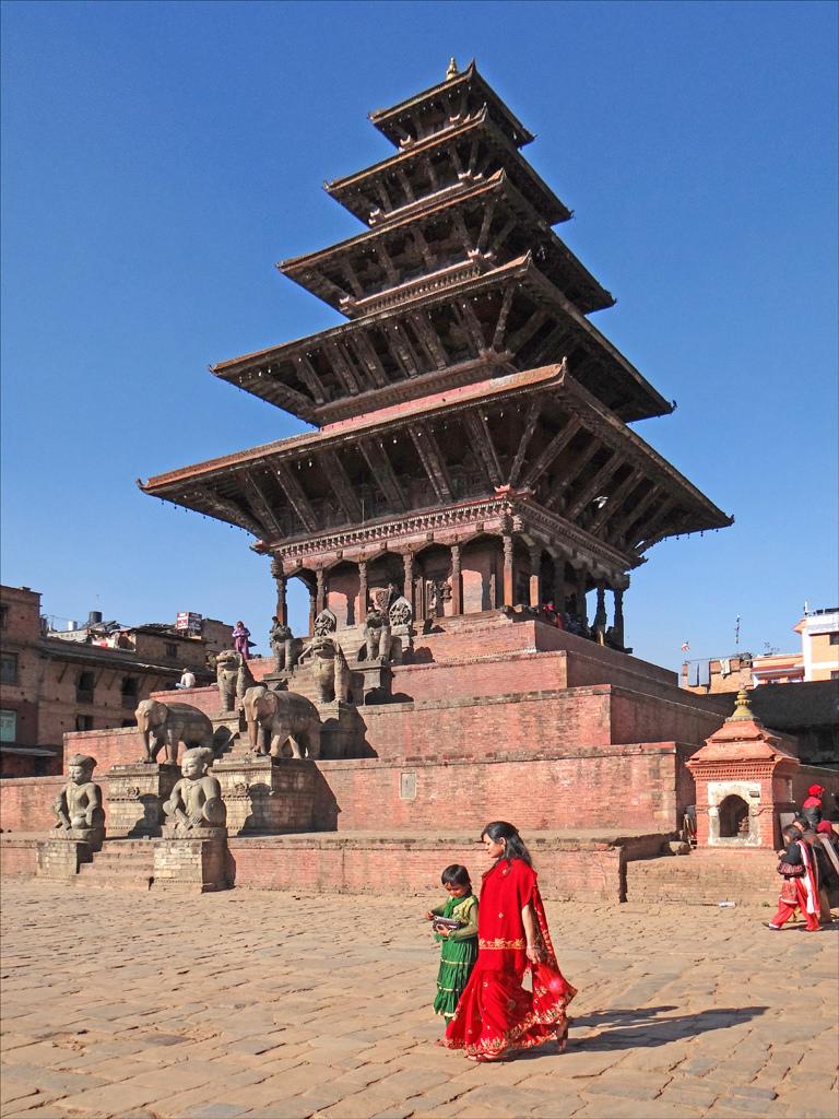 Le Temple de Nyatapola (Bhaktapur) by dalbera, on Flickr