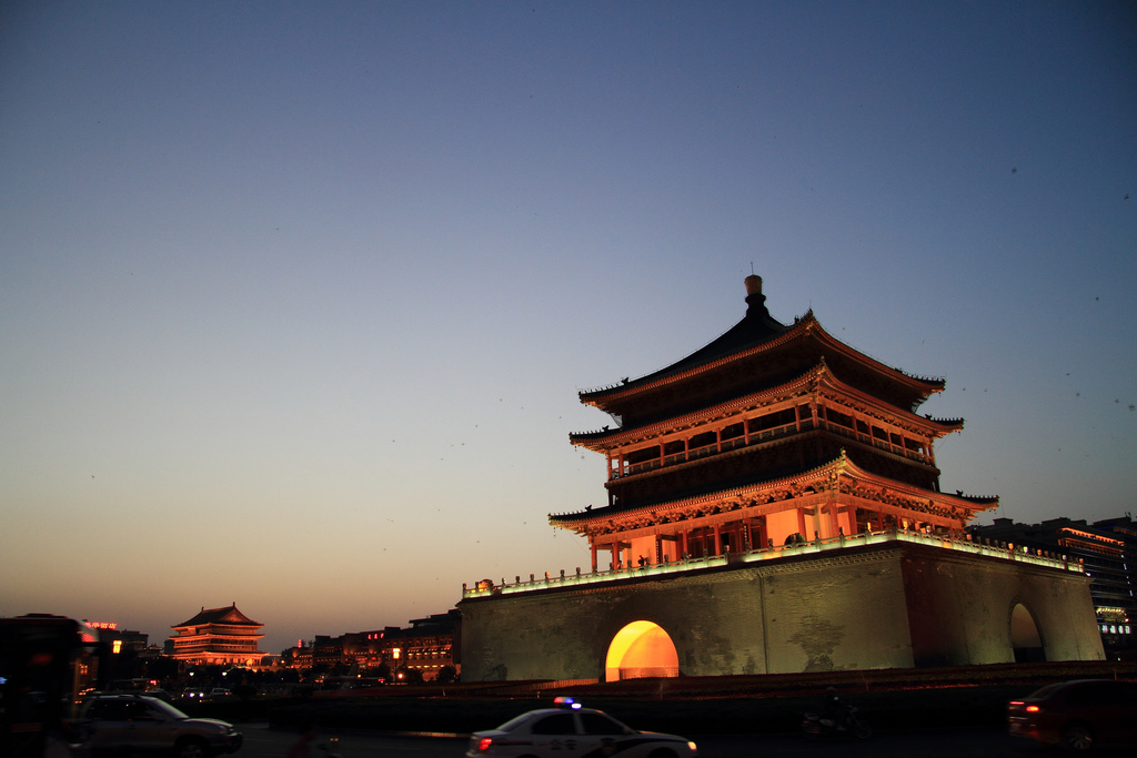 The bell tower of Xi'an 西安钟楼 by 千寻1001, on Flickr